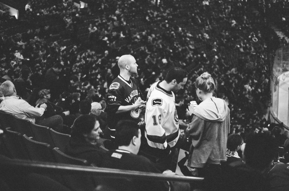 Vancouver Canucks vs Phoenix Coyotes